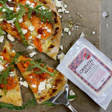 Pizza bianco med sötpotatis och vitost