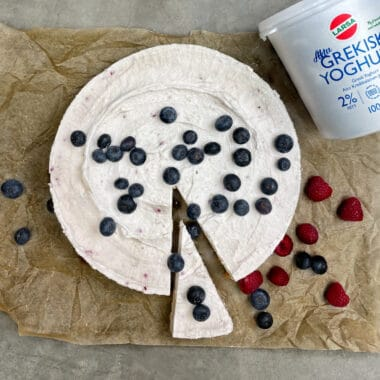 Yoghurttårta med smak av hallon (no bake)