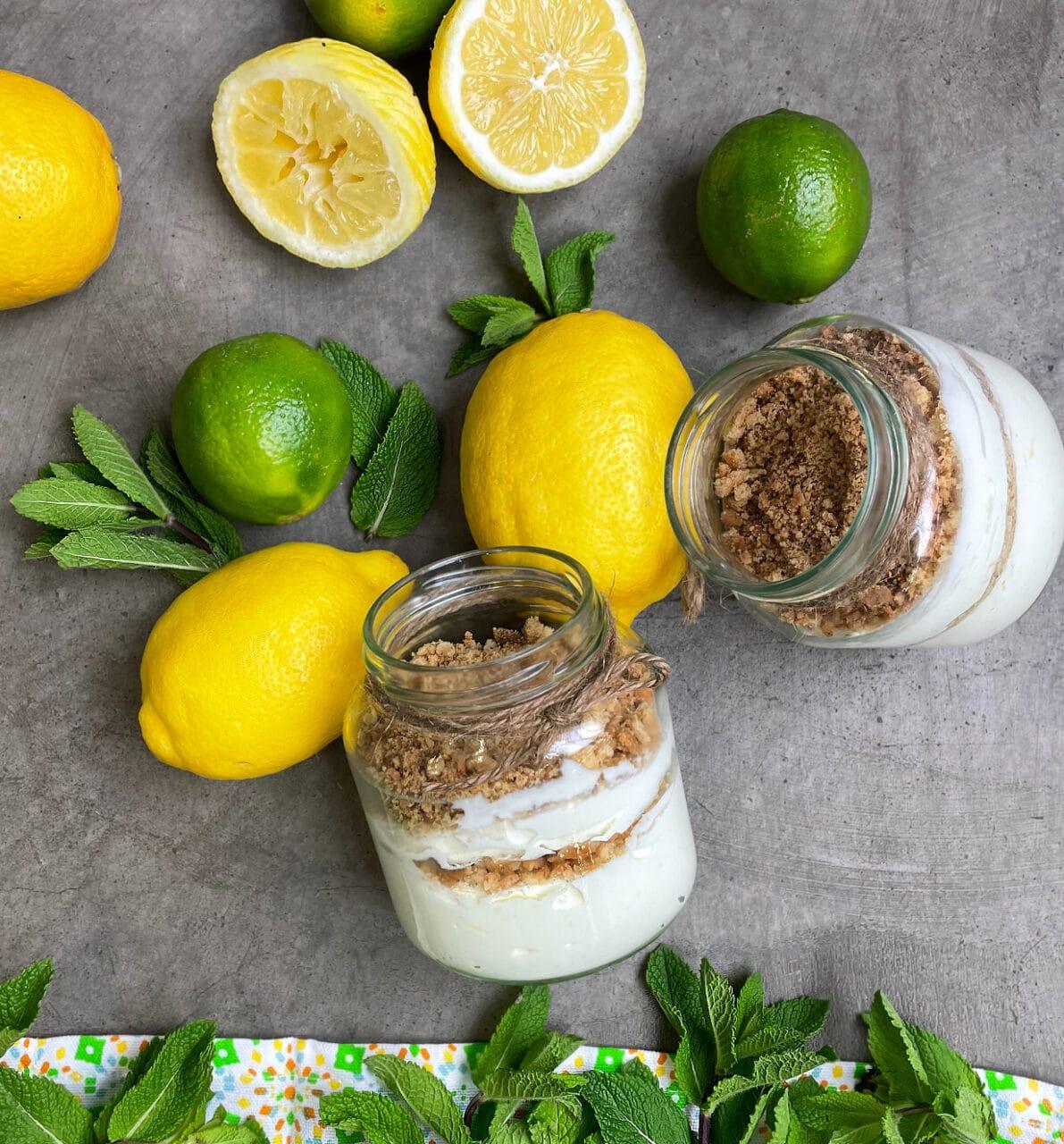 Yoghurtvisp med smak av citron- Syns tillsammans med citron och mynta