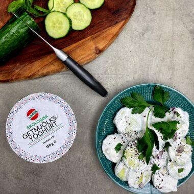krämig gurksallad med Larsa yoghurt